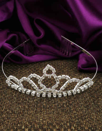 Silver Finish Stunning Hair Crown For Girls Trendy