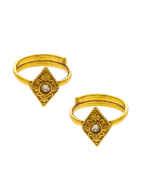 Unique Design Gold Finish Traditional Toe Rings