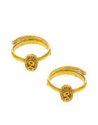 Simple Gold Finish Traditional Toe Ring For Women