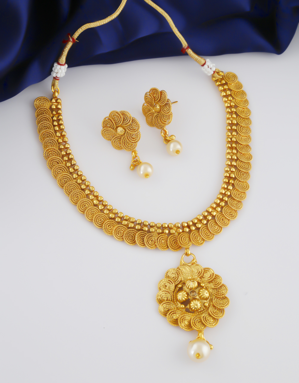 Very Classy Gold Finish Fancy Traditional Necklace