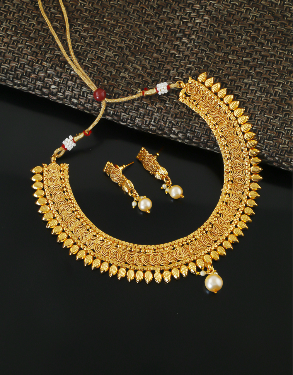 Gold Finish South Indian Necklace Jewellery For Women