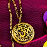 5 trendiest pieces of jewellery based on Hindu Gods